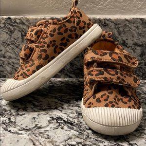 Leopard print girl shoes